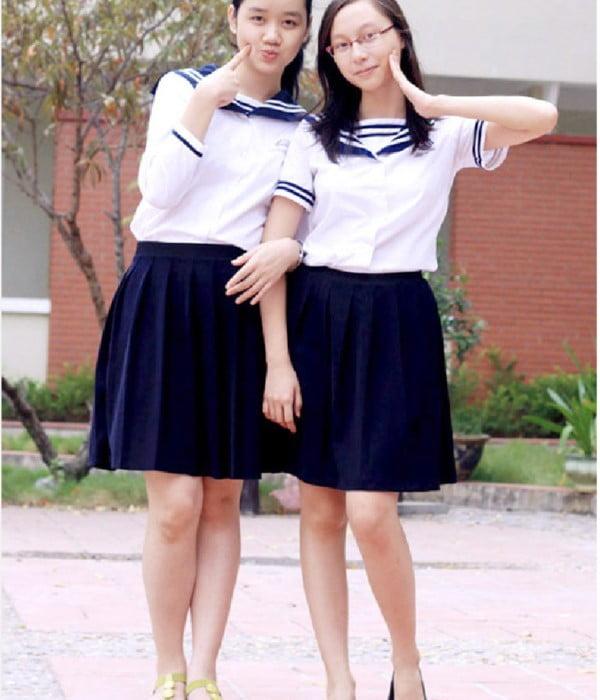 Đồng phục dành cho trường cấp 3 nữ sinh