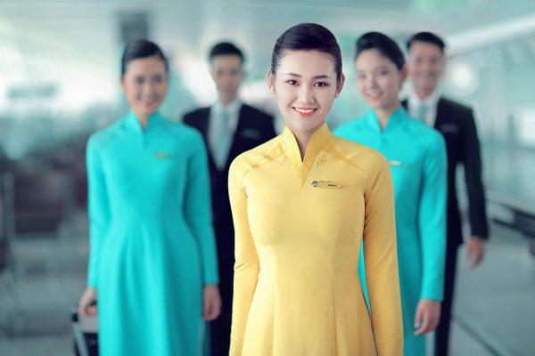 Tìm hiểu đồng phục tiếp viên hàng không Việt Nam qua từng giai đoạn
