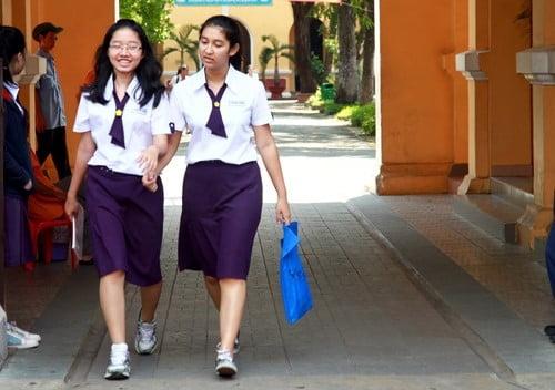 Đồng phục trường Nguyễn Thị Minh Khai