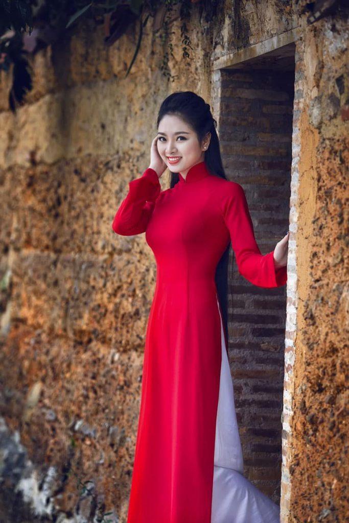 Lựa chọn chất liệu vải lụa giúp dáng áo đẹp và mang đến sự thoải mái khi mặc