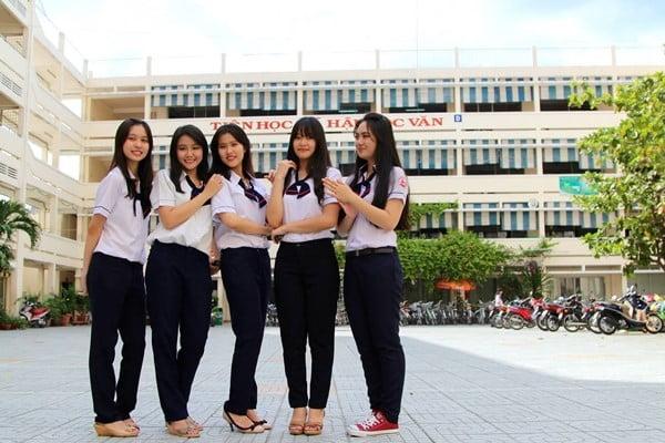 Mẫu đồng phục của trường THPT Gia Định