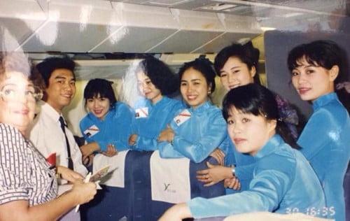 Tà áo dài truyền thống trở thành đồng phục của tiếp viên hàng không Vietnam Airline