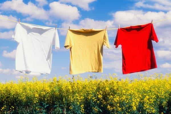 cách bảo quản quần áo bền màu - Đồng Phục Thiên Phước