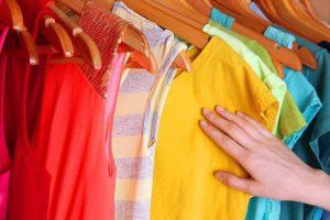 cách bảo quản quần áo màu - Đồng Phục Thiên Phước