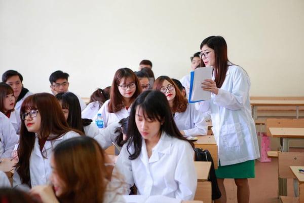 đồng phục của các trường đại học tại tphcm - Đồng Phục Thiên Phước