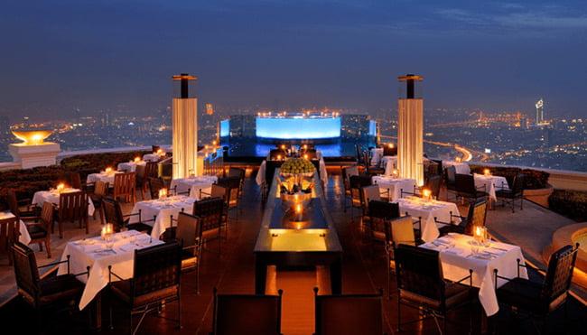 Cần lựa chọn vị trí nhà hàng rộng rãi, thoáng khí.
