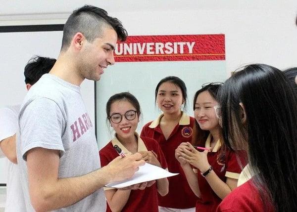 mẫu đồng phục của các trường đại học ở tphcm - Đồng Phục Thiên Phước