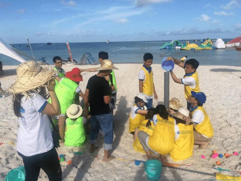 trò chơi team building trên bãi biển Nha Trang