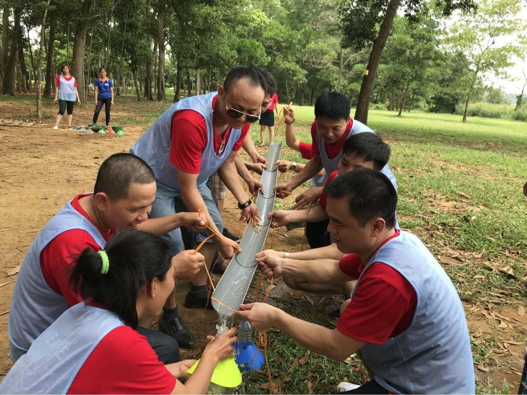 team building thường tổ chức các trò chơi để gắn kết tinh thần đồng đội