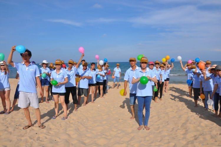 bãi biển được đa số công ty chọn làm nơi tổ chức team building hàng năm