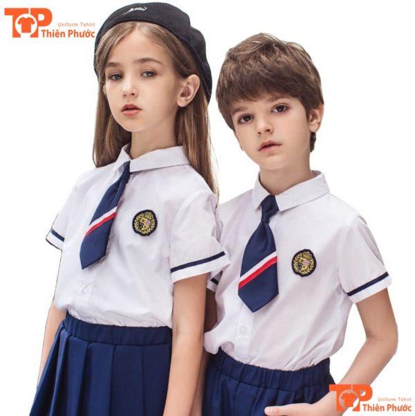 áo đồng phục mầm non sơ mi trắng