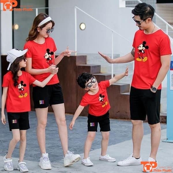 áo gia đình 4 người đi chơi màu đỏ