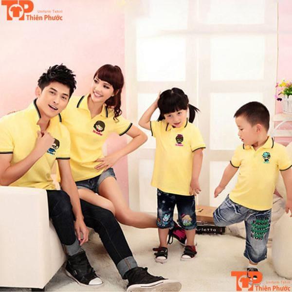 áo gia đình 4 người màu vàng cổ trụ