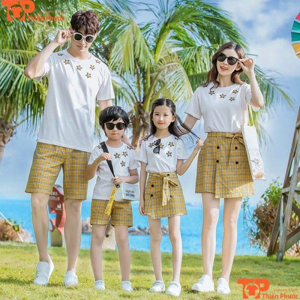 áo gia đình 4 người mùa hè đi du lịch