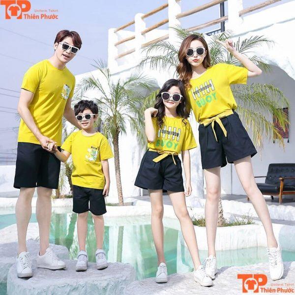 áo gia đình đi biển mùa hè màu vàng