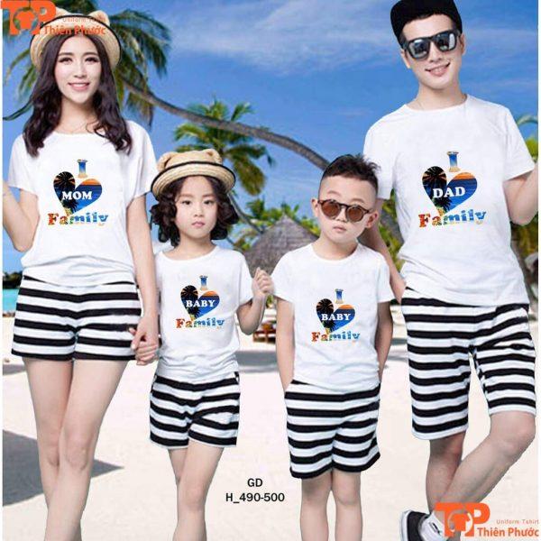 áo gia đình đi biển phối quần short sọc