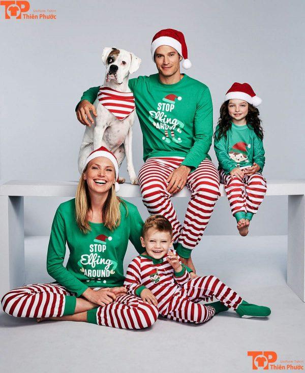 áo gia đình giáng sinh với mũ len