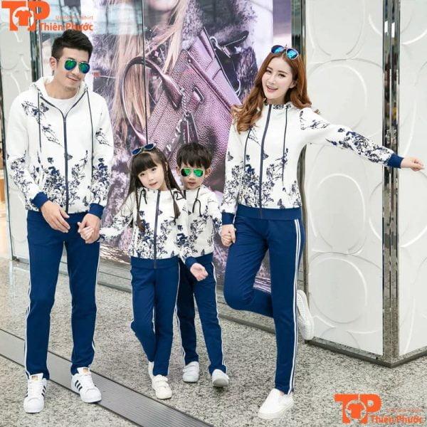 áo khoác gia đình 4 người đi chơi