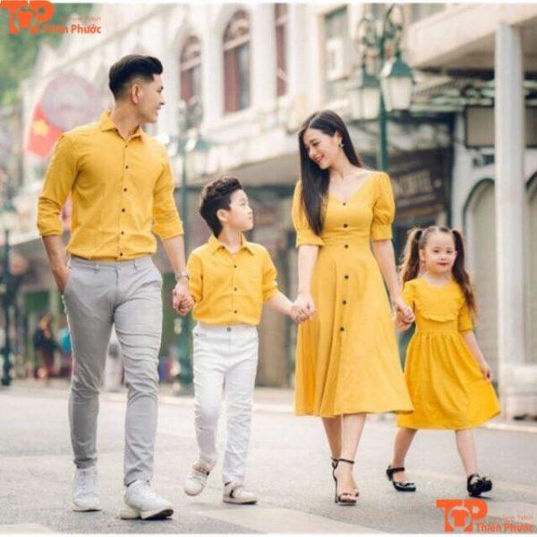 áo sơ mi gia đình 4 người đi chơi