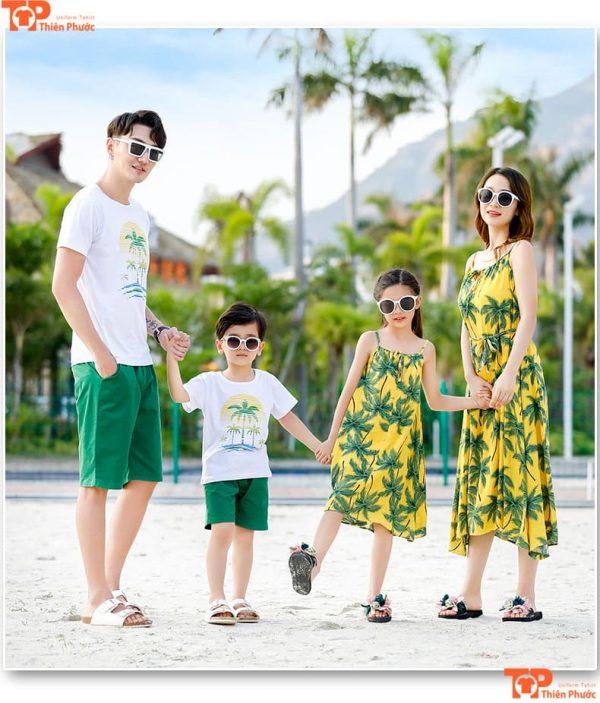 áo váy gia đình 4 người đi du lịch biển