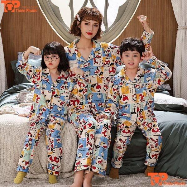 đồ bộ gia đình 3 người in họa tiết nhiều màu