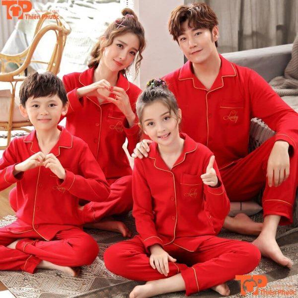 đồ bộ gia đình màu đỏ nổi bật