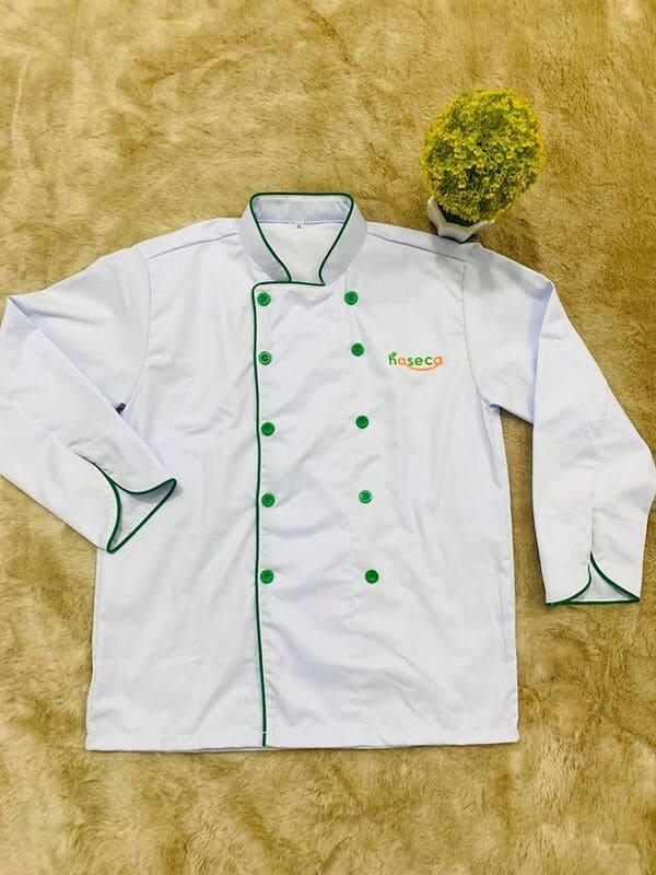 Đồng phục bếp màu trắng form kín cổ