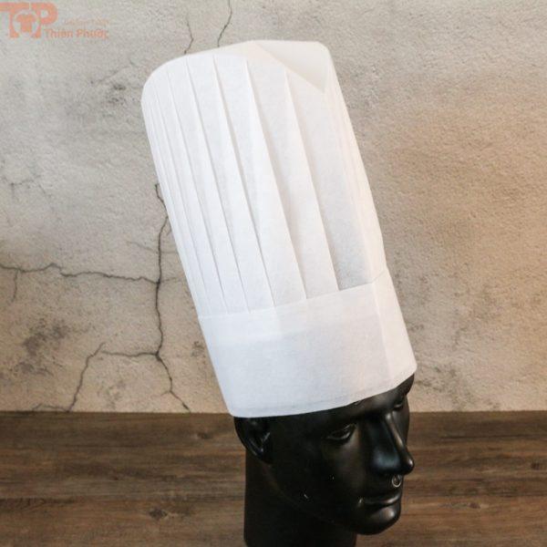 đồng phục bếp phối nón bếp hình trụ