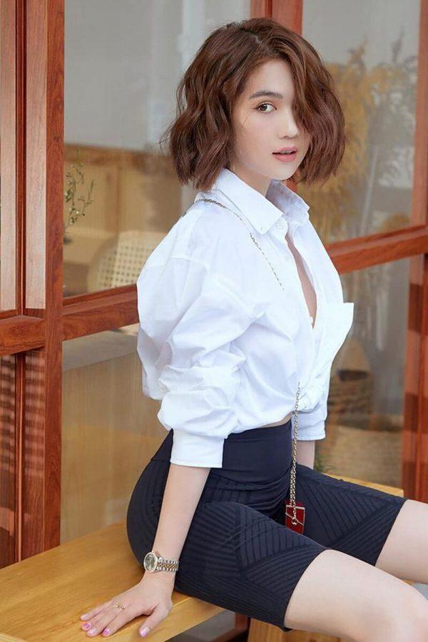 đồng phục công sở nữ áo sơ mi trắng tay ngắn