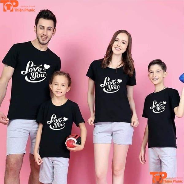 đồng phục gia đình 4 người in slogan hay