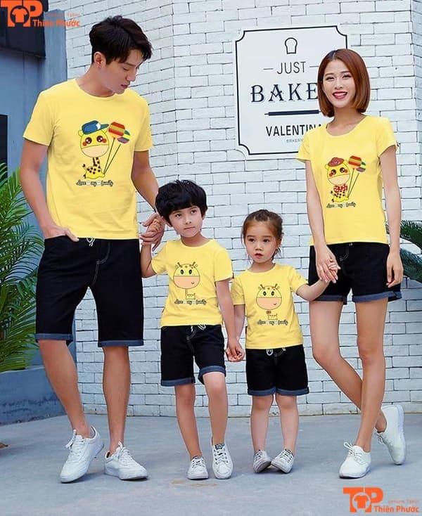 đồng phục gia đình màu vàng tay ngắn