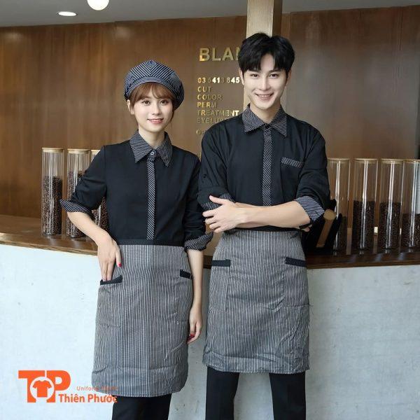 đồng phục nhân viên bưng bê đồ ăn gọi món nhà hàng khách sạn