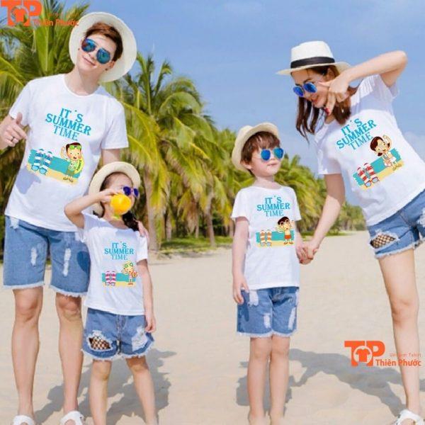 mẫu áo gia đình 4 người đi du lịch