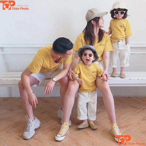 mẫu áo gia đình đẹp 4 người