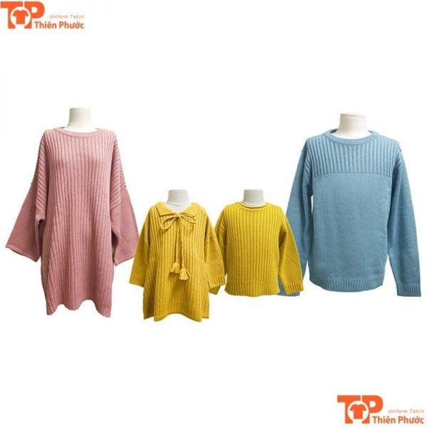 mẫu áo len gia đình 4 người thu đông