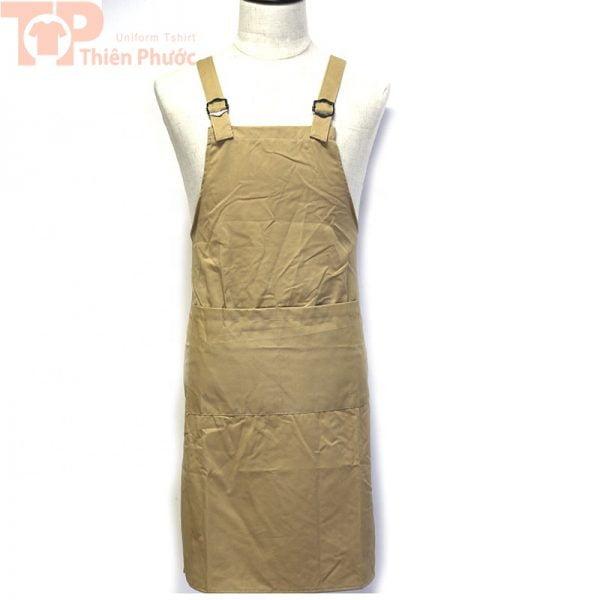 Mẫu đồng phục bếp với tạp dề màu nâu xám