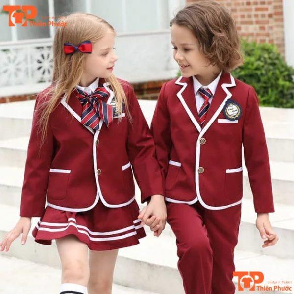 mẫu đồng phục học sinh mầm non vest màu đỏ