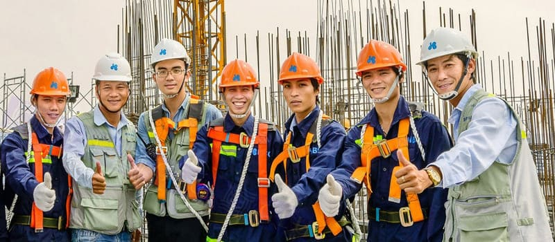 may quần áo đồng phục công nhân
