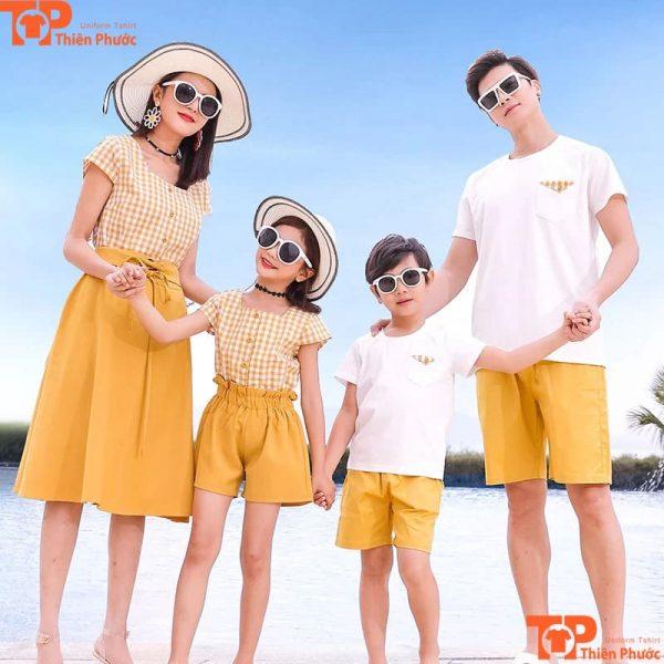 quần áo gia đình đi du lịch biển