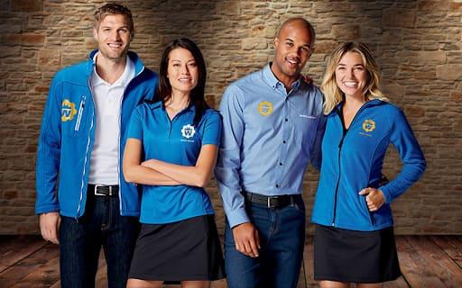 quảng cáo thương hiệu bằng đồng phục văn phòng áo thun công sở